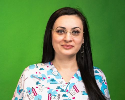 Dr. Raluca Uleanu